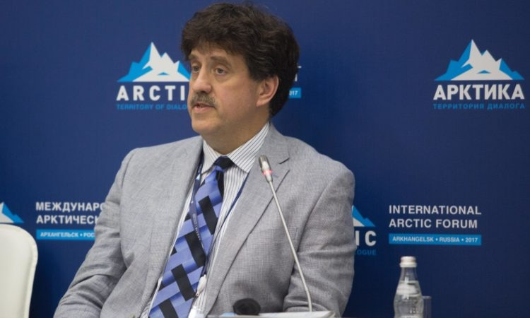Заместитель помощника госсекретаря США по вопросам исследования океанов, международным природоохранным и научным делам Дэвид Балтон